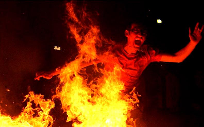به احترام شهدای آتش نشان، در چهارشنبه آخر سال پای قول مان بایستیم